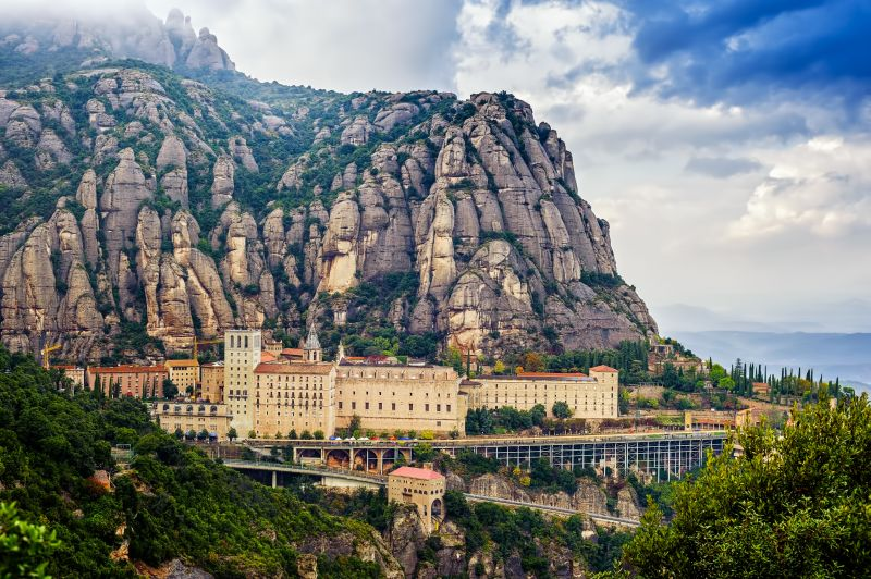 Private Guided Tours Montserrat | Transfers Sobert